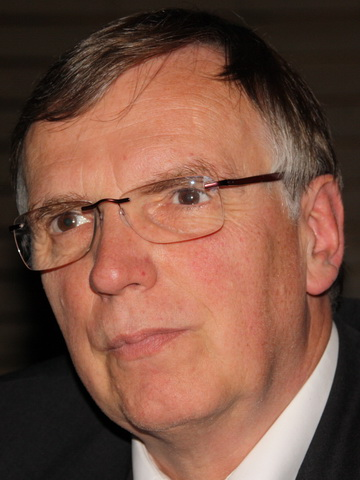 Announcements of Plenary Presentations: Professor Jörg Vienken (Germany)